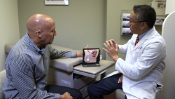 William and Dr. Su discuss his prostate cancer treatment options.