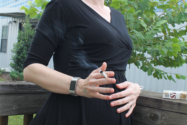 Discount stores' tobacco sales tied to more women smoking while pregnant, UF Health study finds